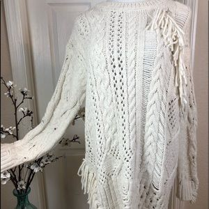 Sweater chunky cream slightly distressed